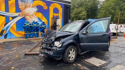 Crash leads to gas leak near Harvard and the Broken Arrow Expressway